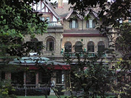 Hengshan Moller Villa Hotel: view of Moller Villa from garden