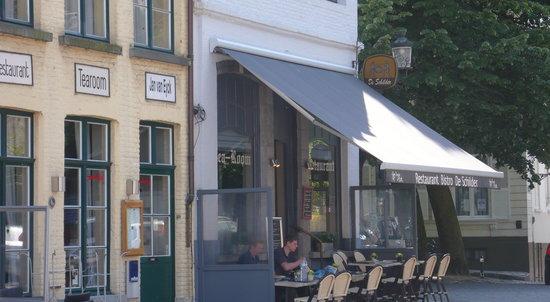 Bistro De schilder: outside of the restaurant