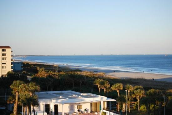 DoubleTree by Hilton Hotel Cocoa Beach Oceanfront: another view from the balcony, nothing but you and the Atlantic
