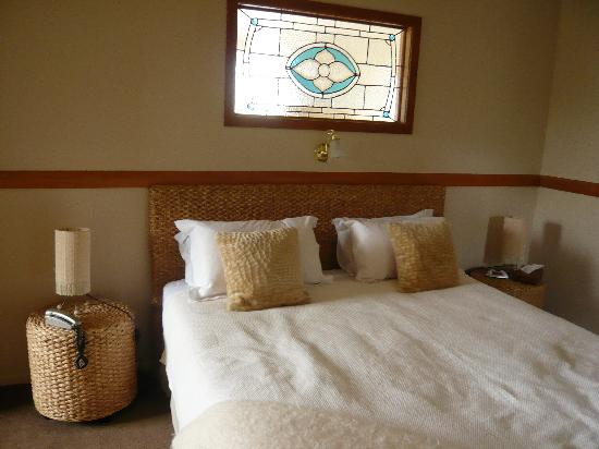 Waipoua Lodge: bed room