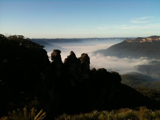 Katoomba, Australia: three sisters and morning mist