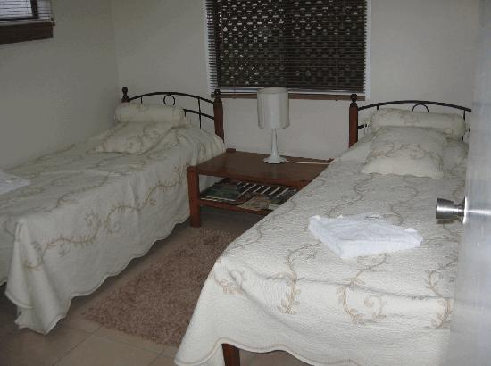 Eungella Chalet: Second bedroom (Sofabed in lounge room)