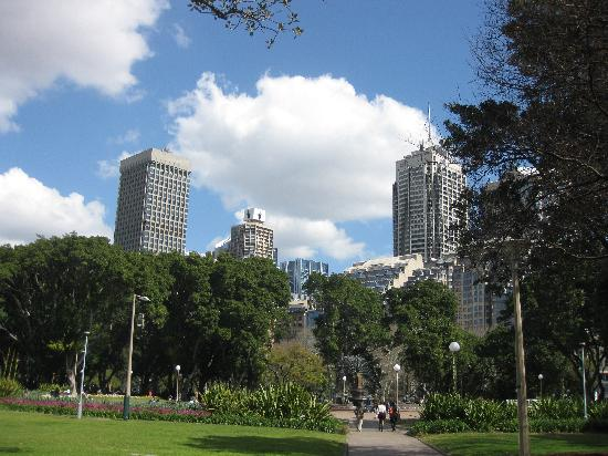 Hyde Park, looking toward Elizabeth Street, Sydney