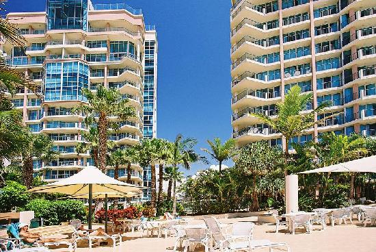 Oceana on Broadbeach: Pool Area