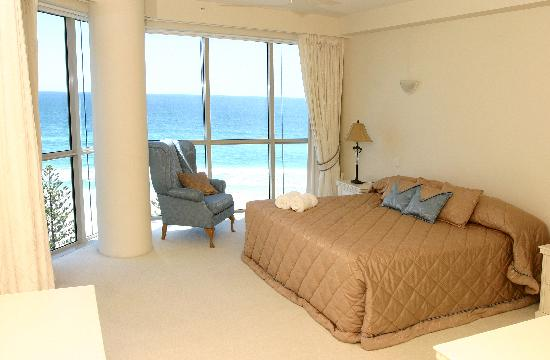 Oceana on Broadbeach: Master Bedroom