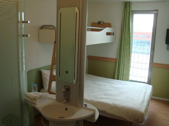 伊泰普布魯日中心車站酒店照片
