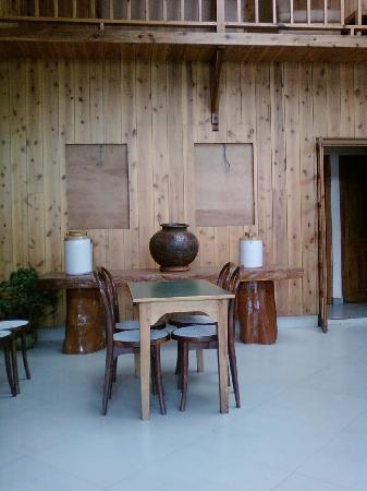 Ashutosh Inn: restaurent