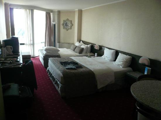 Atakoy Marina Hotel: Zimmer mit 2 Queens-Betten
