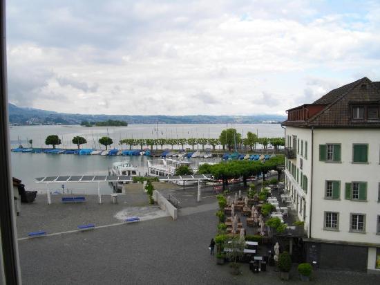 Hotel Hirschen: Vista lago