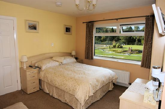 Amboseli Lodge: rooms with views of Fairfield, Wansfell and Loughrigg