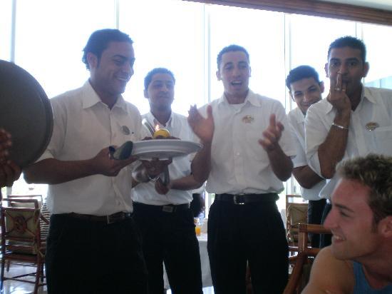 Maritim Jolie Ville Royal Peninsula Hotel & Resort: Waiters at hotel birthday morning