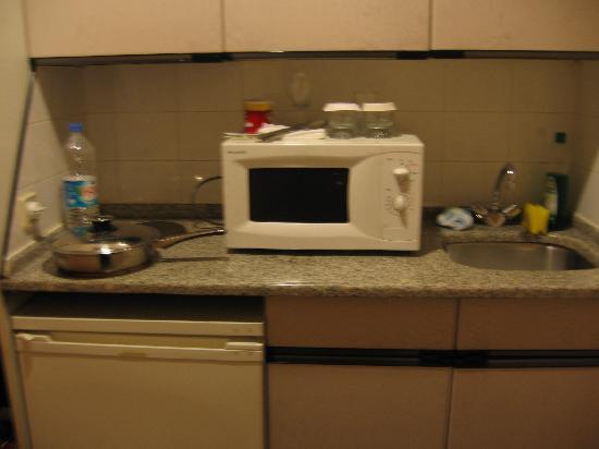 Buyukhanli Park Hotel & Residence: Kitchenette