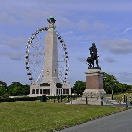 Πλύμουθ, UK: Plymouth Wheel, Sir Francis Drake, War Memorial