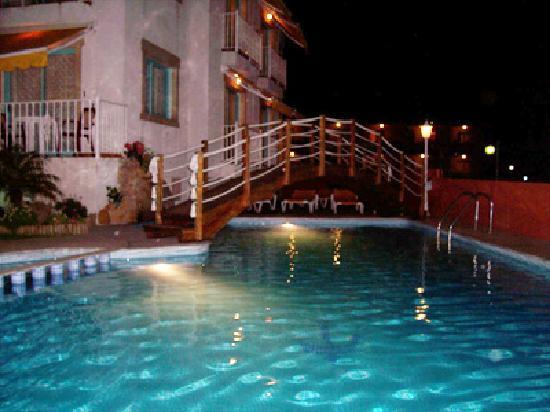 Apartamentos Velero: nocturna