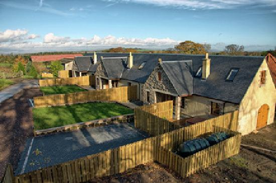 Williamscraig Holiday Cottages: Rose, Apple Tree and Honeysuckle Cottages