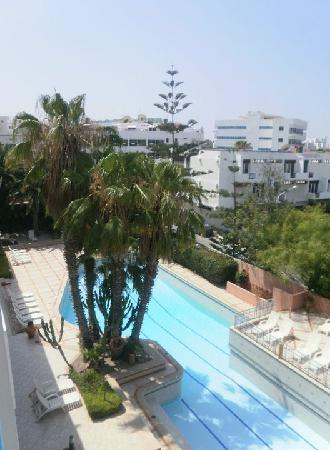 Hotel Kamal : Pool from balcony