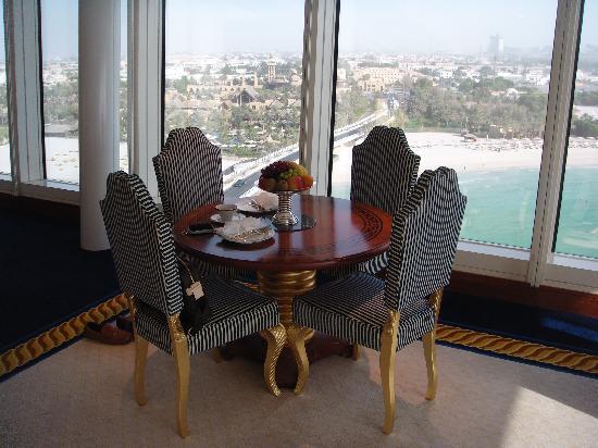 Burj Al Arab Jumeirah : panoramic suite dining area