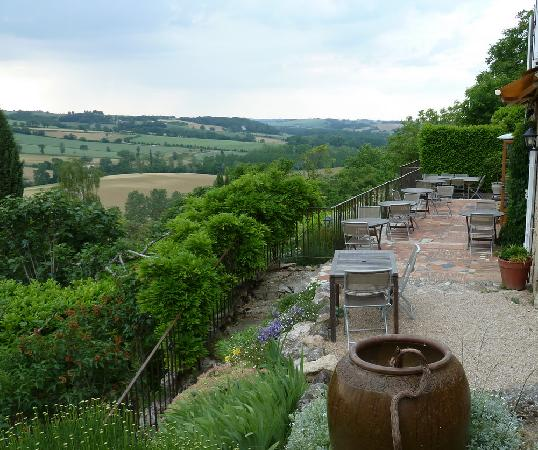 Cuq Toulza, France : The terrace outside the dining room