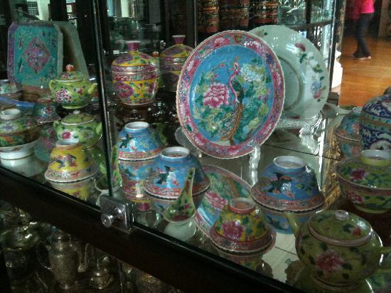 พิพิธภัณฑ์ปีนังเปรานากัน: 可愛い食器たち