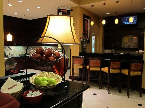 201102 lobby picture of hilton garden inn cupertino. Black Bedroom Furniture Sets. Home Design Ideas