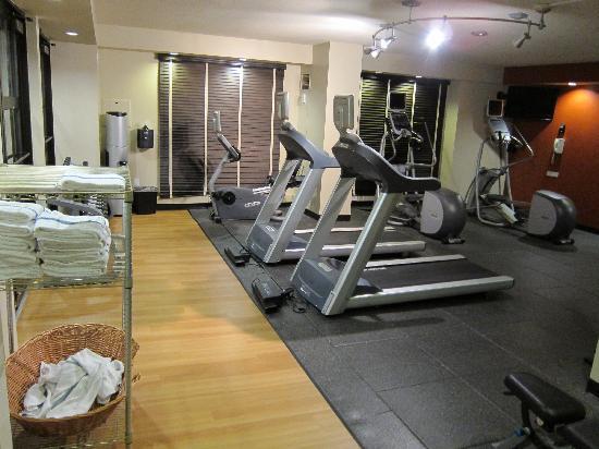 201102 gym close 10pm picture of hilton garden inn. Black Bedroom Furniture Sets. Home Design Ideas