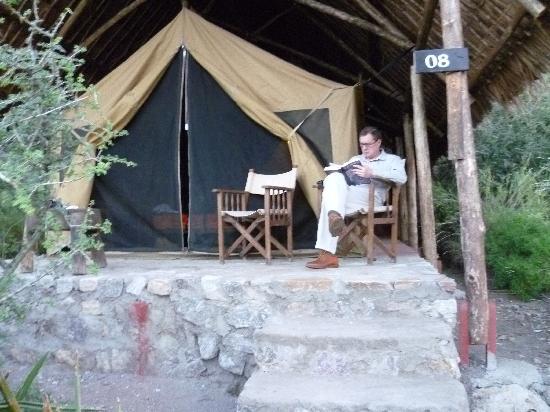 Olduvai Camp: Relaxing