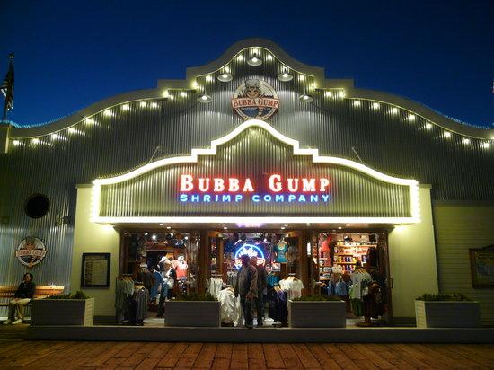 Bubba Gump Shrimp Co: Entrance to shop