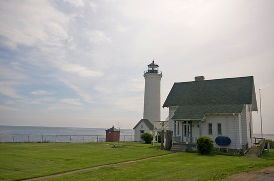 Cape Vincent, NY: Tibbetts Point Lighthouse-Lakeside