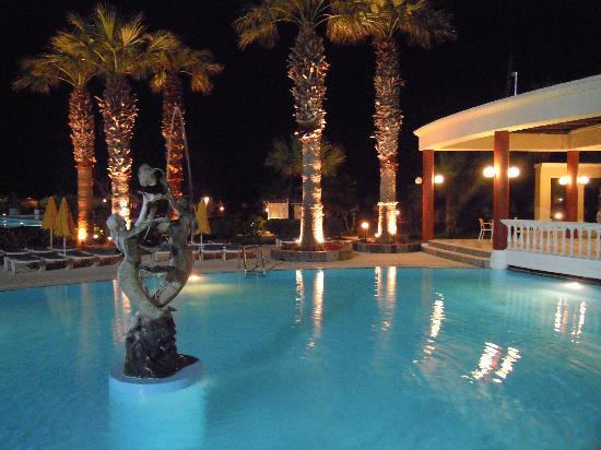 Sunshine Rhodes Hotel: PARTE DELLA SALA DA PRANZO BUFFET