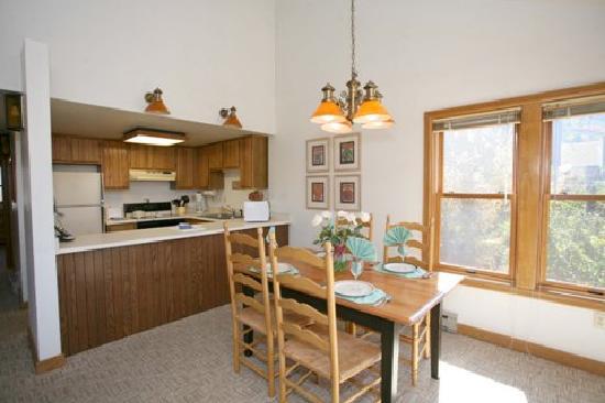 Ferringway Hotel Condominiums: Gourmet Kitchens