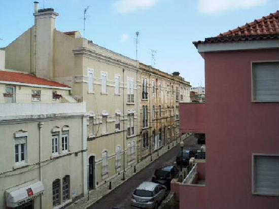 Holiday Inn Lisbon: バスルームからの景色