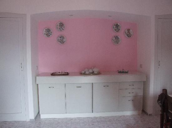 M Suites Sorrento: Kitchen Area