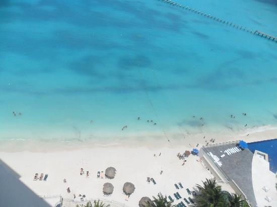 Hotel Riu Cancun: View from 14th Floor