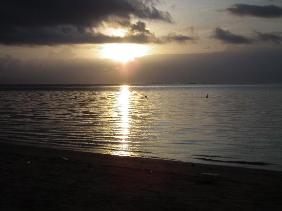 Prama Sanur Beach Bali: sunrise on beach