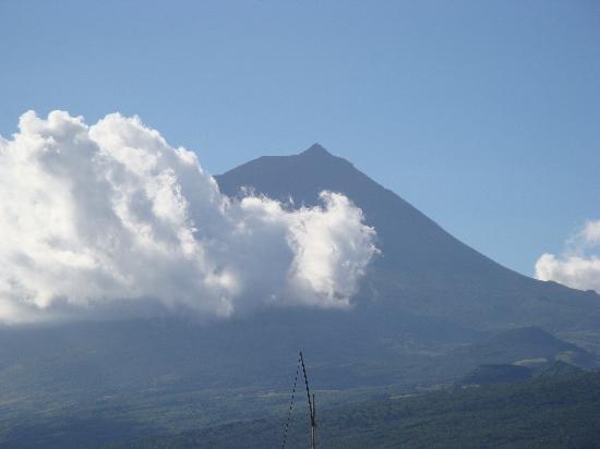 Pico Mountain (Montanha do Pico) : Pico the Mountain at a distance
