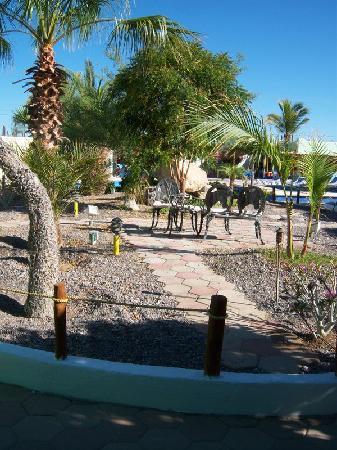 Villaggio Turistico Mar De Cortez: Hotel courtyard