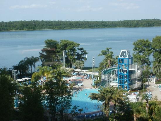 Bay Lake Tower at Disney's Contemporary Resort: Bay Lake Pool