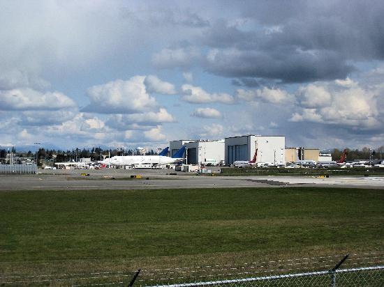 Future of Flight Aviation Center & Boeing Tour: Boeing tour