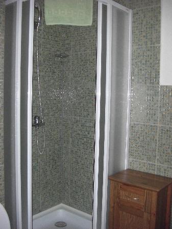 โรงแรมโคลัมโบ: Bath