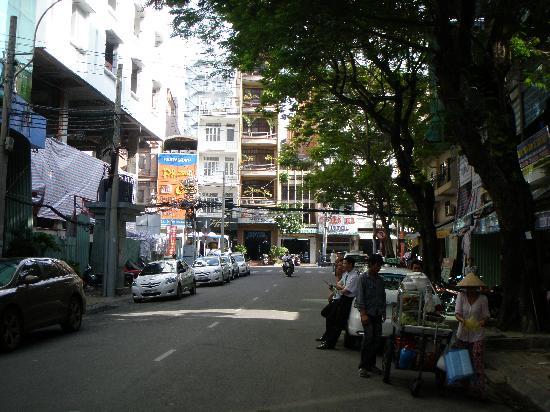 Lavender Hotel: Street View 1