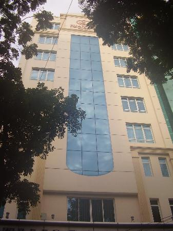 Lavender Hotel: Main Front View