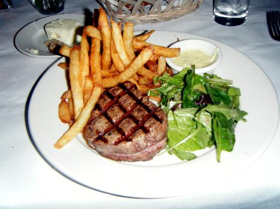 Les Halles: Filet de Boeuf with Fries