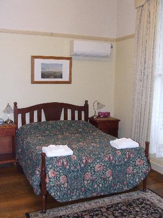 Verona Guest House : Front bedroom