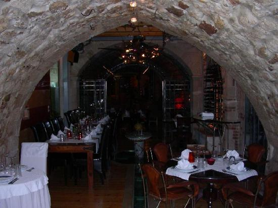 Avli Lounge Apartments: Restaurant