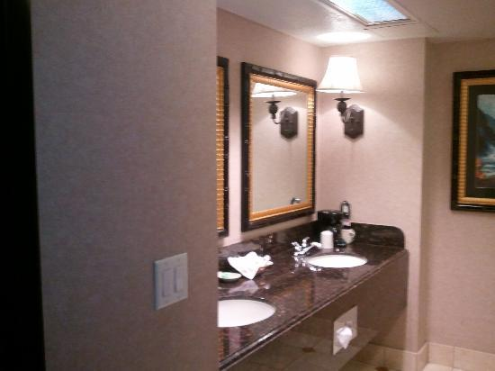 Montego Bay Casino Resort: Montego Bay Bathroom
