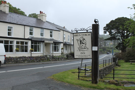 Capel Curig, UK: The Bryn Inn