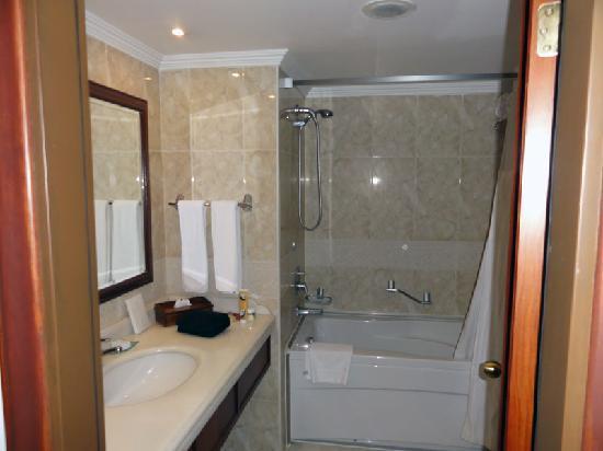 Hilton Kayseri: Bathroom