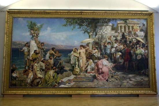 Russisches Museum: Huge Phryne mural occupies entire wall