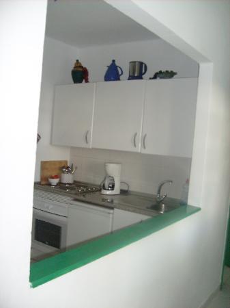 Tuscan Apartments: Kitchen