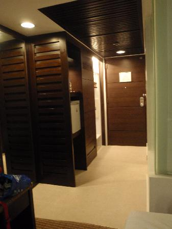 Century Park Hotel: another view of the room